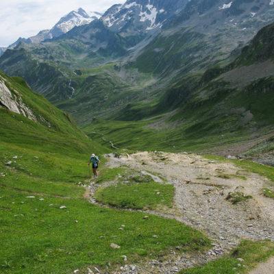 Approaching Col du Bonhomme