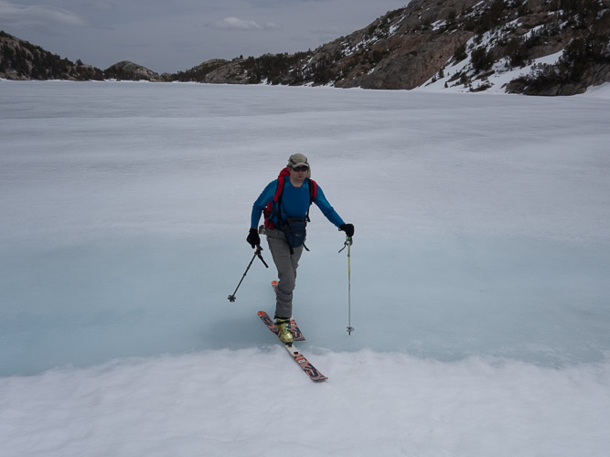 Easy gliding on Upper Lamarck Lake